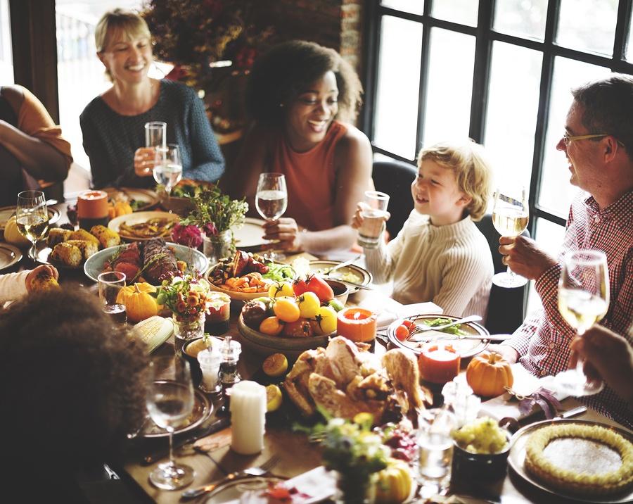 bigstock-Thanksgiving-Celebration-Tradi-151330187.jpg
